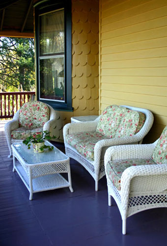 Genial Grouping Of Painted White Wicker Furniture